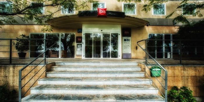 Murcia necesitará siete nuevos hoteles para atender el aumento de turistas por el AVE